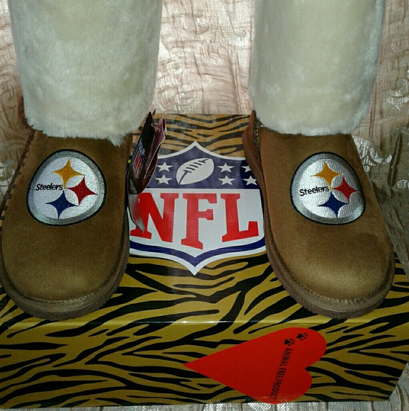 wholesale dealer 09045 8ba24 Cuce Pittsburgh Steelers faux fur botts NWT